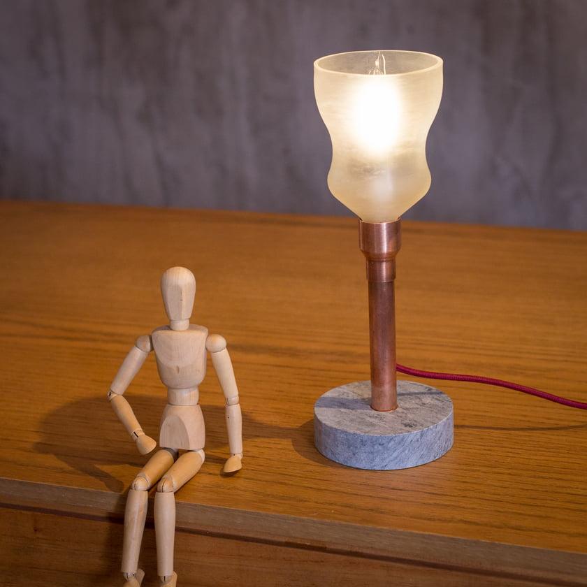 LUMINARIA GARRAFA DE SUCO INVERTIDA - ALMA LAMP